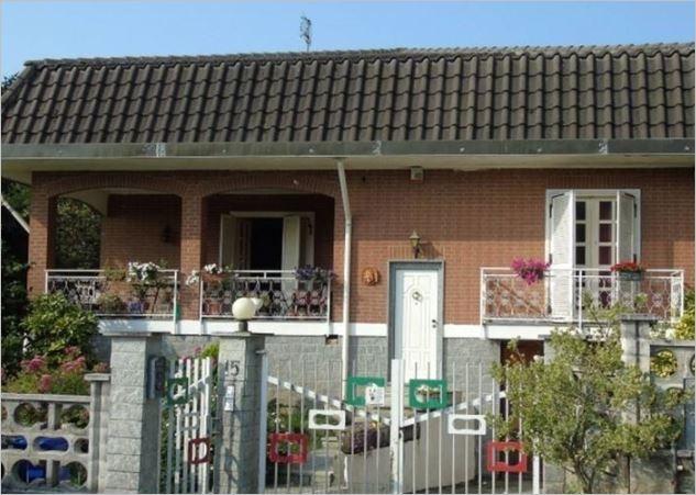 Villa vendita GIVOLETTO (TO) - 7 LOCALI - 250 MQ